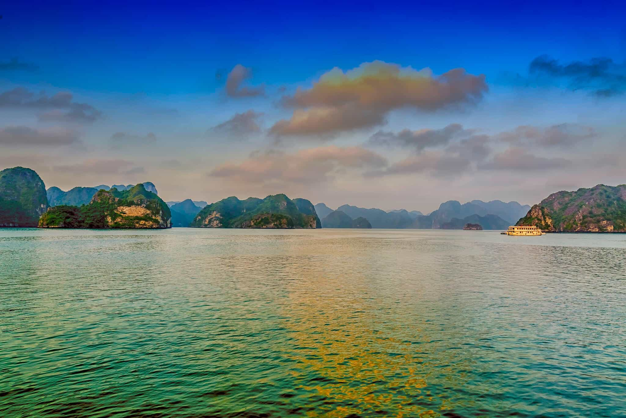 4D3N Hanoi _ Halong Bay Overnight Land-4