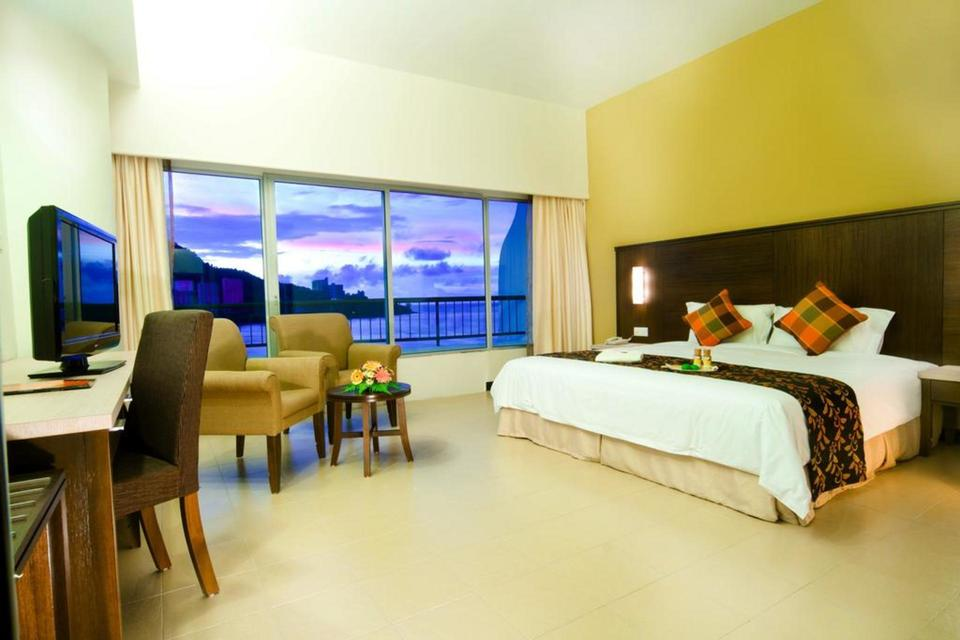 room Flamingo by the beach penang