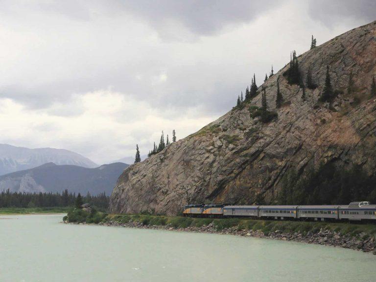 16D14N Canadian Train Odyssey (8960)-hero